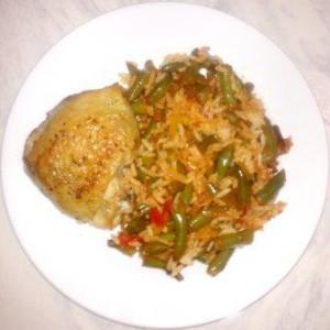 курица с зеленой фасолью и рисом
